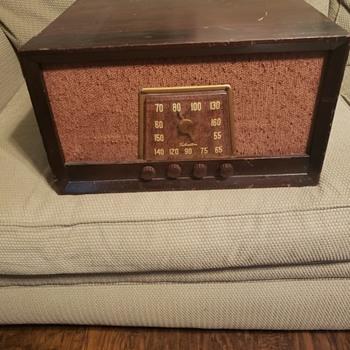 Silvertone  Radio - Radios