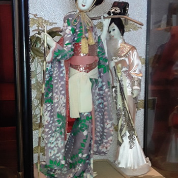 Trying to find any information on these 2 Japanese dolls  - Dolls