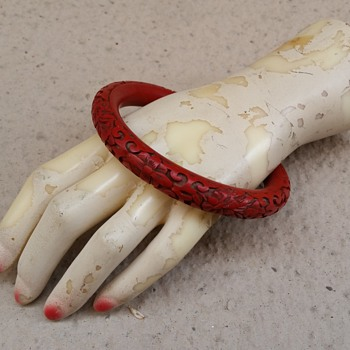 Cinnabar lacquer bangle circa 1950's? - Asian