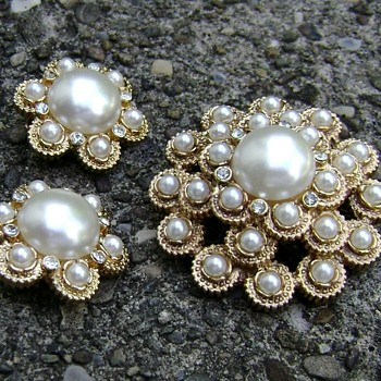 Sarah Coventry Brooch & Earrings - Moonlight - Costume Jewelry