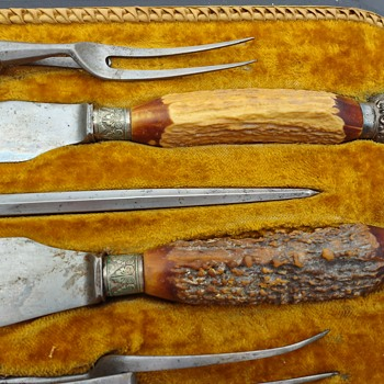 Unmarked carving set - Kitchen