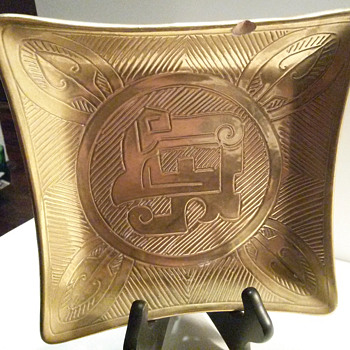 Square Gold Plate with Unusual Design, and Signature - Pottery