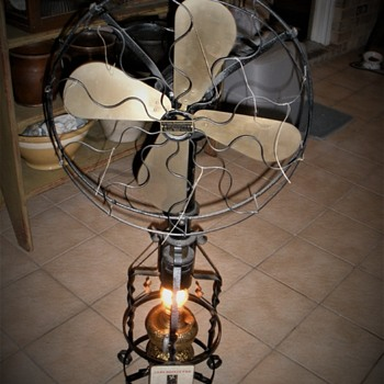 Lake Breeze Hot Air Fan Powered By an Oil Lamp - Lamps