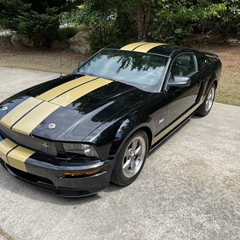 """40th Anniversary  2006 Shelby GT-H. The H stands for """"Hertz rent a racer"""" back in 1966.  - Classic Cars"""