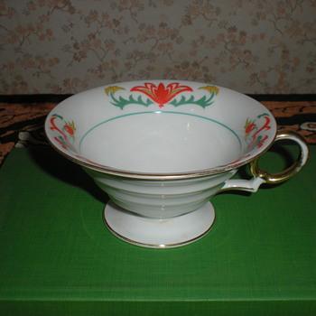 German Art Deco porcelain tea cup. - Art Deco