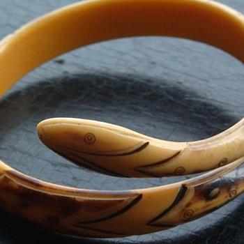Snake Bracelet Bakelite (?) Art Deco - Art Deco