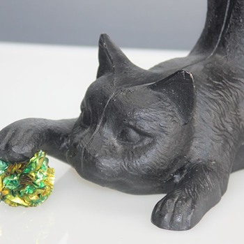 Cast Iron 'Playful Kitten' - Animals