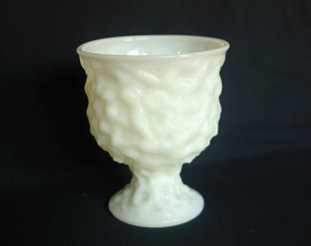 Eo brody co cleveland milk glass m3000 crinkle glass planter eo brody co cleveland milk glass m3000 crinkle glass planter urn collectors weekly reviewsmspy