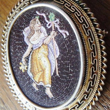 c1840 FINEST MICROMOSAIC MEDALLION/BROOCH NYMPH / NATURE SPRITE /BACHANT  - Fine Jewelry