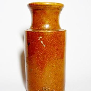 DOULTON LAMBETH-ENGLAND  - Pottery