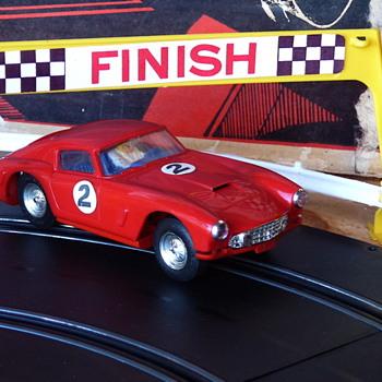 Cool Tri-ang Ferrari GT 250 Berlinetta - Model Cars
