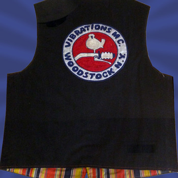 #21 ~ Early 1970s Vibrations MC WOODSTOCK NY Motorcycle Vest - Motorcycles