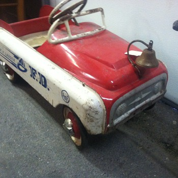 50's Pedal Car...probably a Murray... - Model Cars
