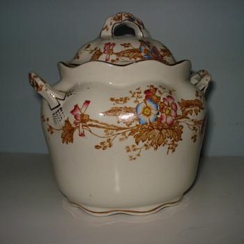 My aunt's sugar bowl - China and Dinnerware