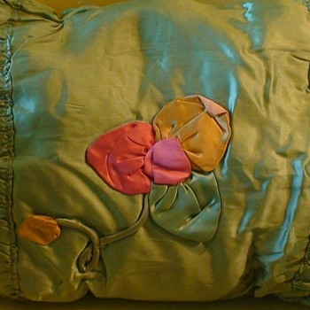 Vintage Silk Pillow (1910-1920) Filled With Kapok Fiber - Sewing