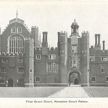 FIRST GREEN COURT HAMPTON COURT PALACE - Postcards