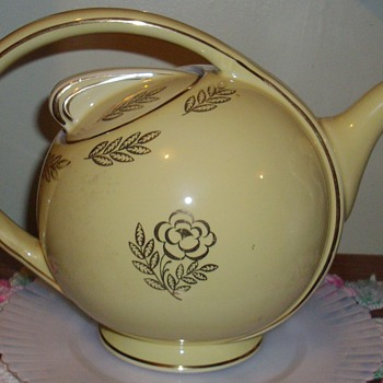 Hall tea pot. - Kitchen