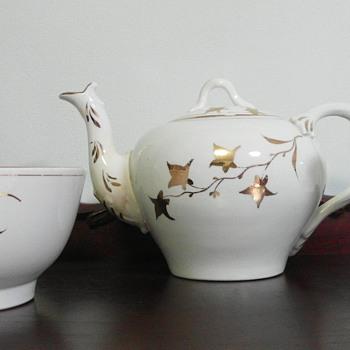 Old tea set - China and Dinnerware