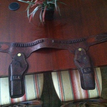 Double gun rig - holster - Military and Wartime