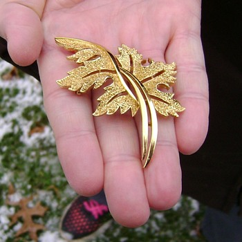 Vintage Trifari Brooch - Stylised Maple Leaf - Costume Jewelry