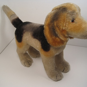 "Big Hearted Steiff ""Biggie"" Beagle  - Dolls"