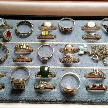 Collection of 9ct gold rings - Fine Jewelry