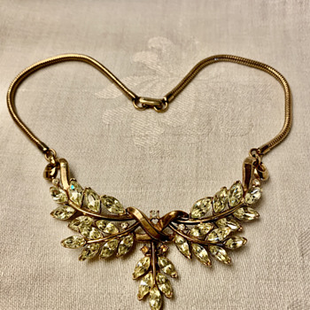 """early Trifari choker necklace, pale yellow rhinestones with gold tone metal and chain. """"Patent pending"""" - Costume Jewelry"""