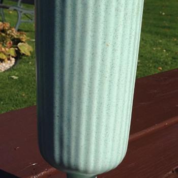 Haeger Mid Century Vaxe - Pottery