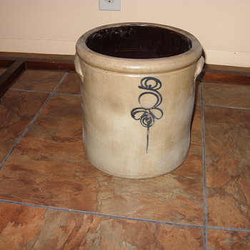 bee sting crock - Pottery