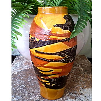 "Royal Haeger 11 "" Marigold and Agate ""Earth Wrap"" Vase /Circa 1976 - Pottery"