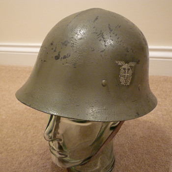 Norwegian Quisling helmet - Military and Wartime