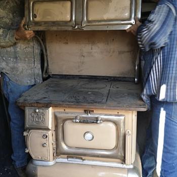 The Auto Stove Works Model B8 18 - Kitchen