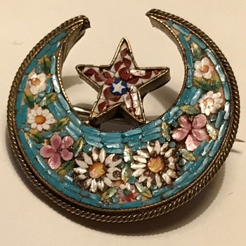 Inherited micro mosaic brooch - Fine Jewelry