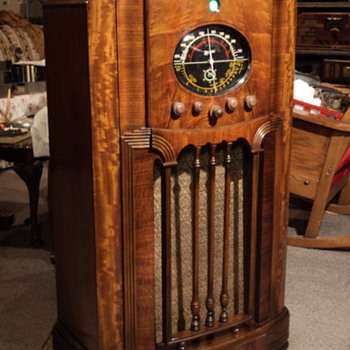 Classic Canadian Marconi console - Radios