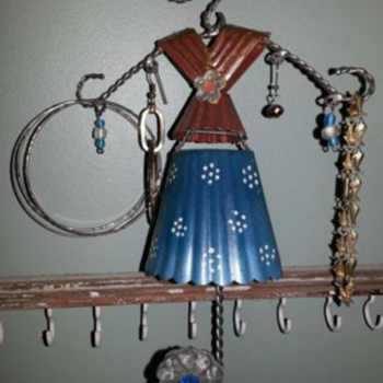 crazy cute little jewelry hanger - Costume Jewelry