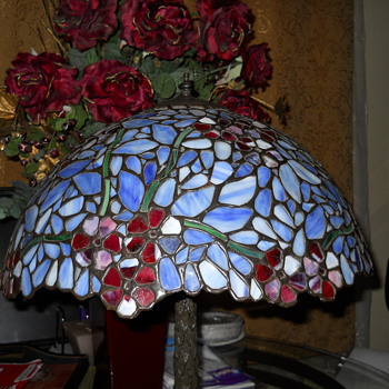 Please give me info on this lamp..it was a gift..thanks!