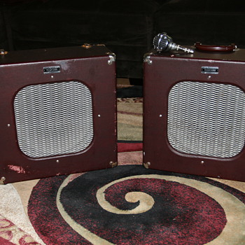 "1951 Newcomb ""Suitcase"" Speakers & Astatic JT-30 - Electronics"