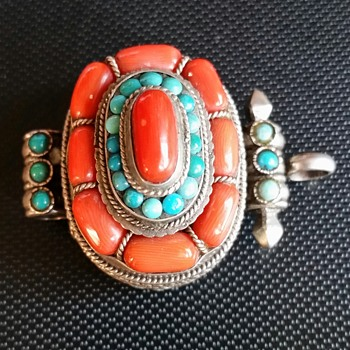 STERLING SILVER PILL BOX WITH CORAL & TURQUOISE.  - Fine Jewelry