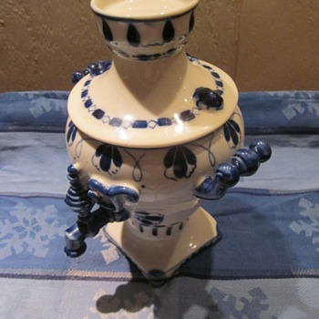 Blue White Hand Painted Jar ? Unusual Design and Mark  HELP NEDDED - China and Dinnerware