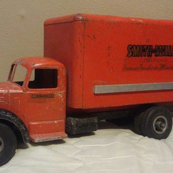 Smith Miller Truck - Model Cars