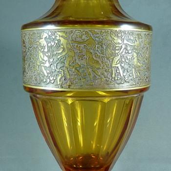 A MOSER KARLSBAD OROPLASTIC AMBER VASE - Art Glass