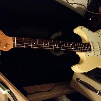 1986 62 reissue fender stratocaster - Guitars