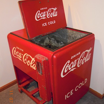1940 Cavalier Standard Ice Cooler - Coca-Cola