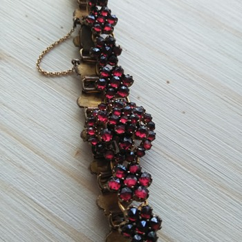 Bohemian garnet bracelet - Fine Jewelry