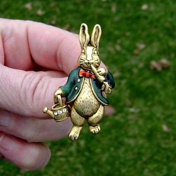 Peter Rabbit Brooch - Costume Jewelry
