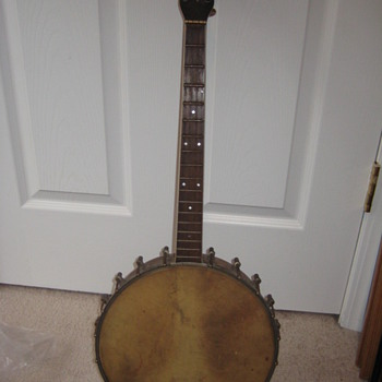 unknown banjo