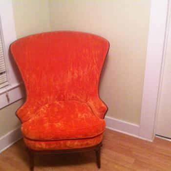 BIG ORANGE CHAIR VICTORIAN??  - Furniture