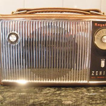 Zenith Royal 675  - Radios