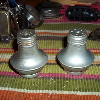 ALUMINUM SALT AND PEPPER SHAKERS - Kitchen