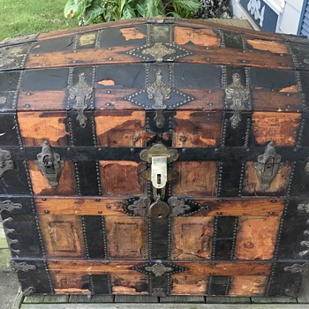 Mid 1880's Barrel Top Trunk - Furniture